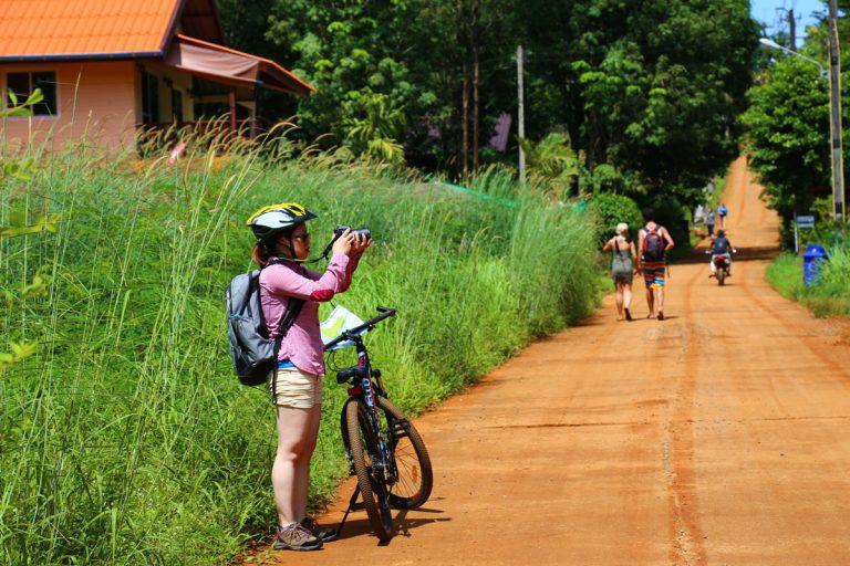 骑自行车探索玛岛