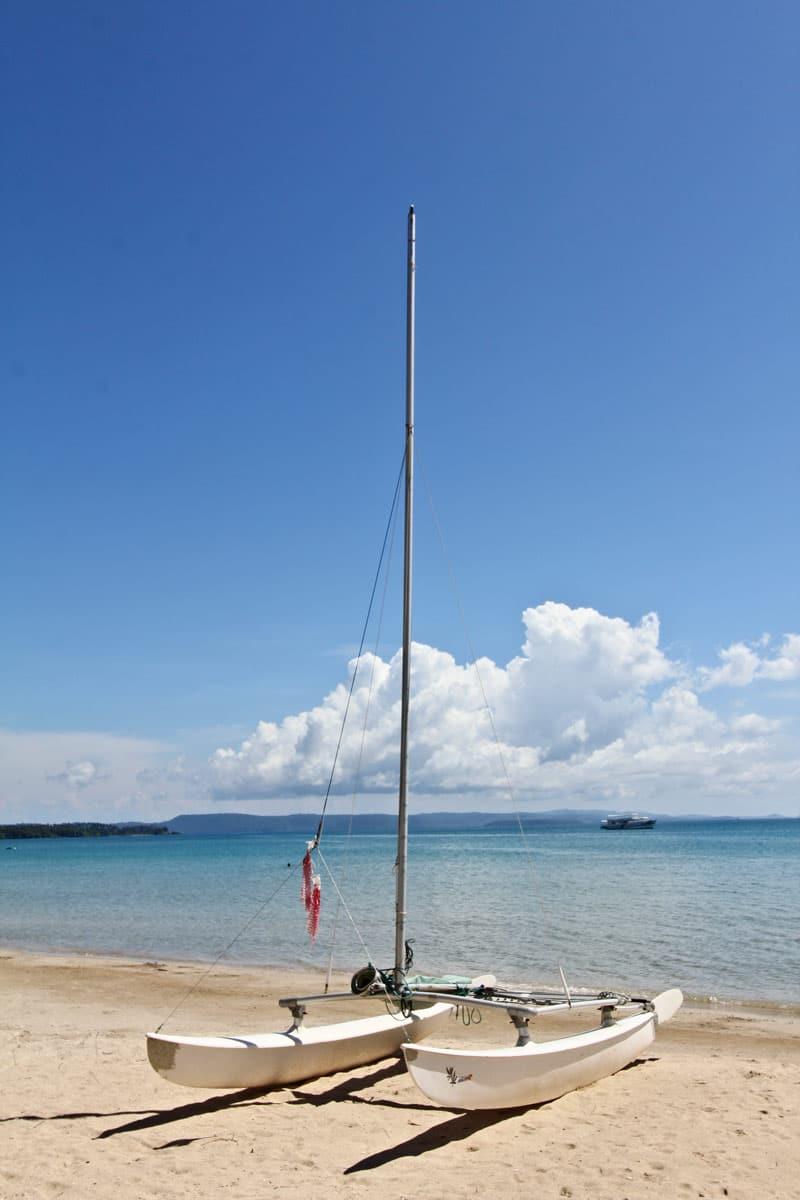 用船探索玛岛